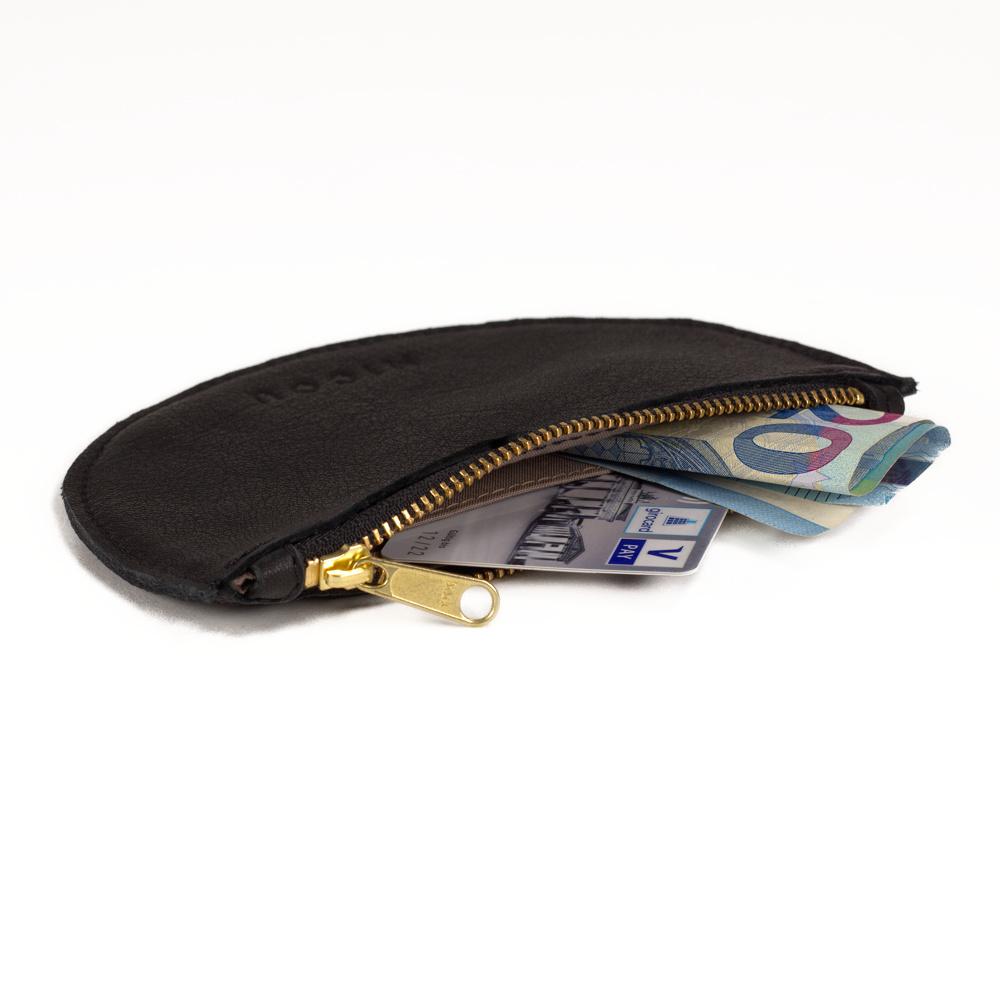 Das ist Portemonnaie Lara in Schwarz geöffnet.